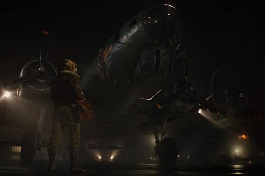 Рецензия на фильм «Воздушный бой» («Тень в облаках») - Хлоя Грейс Морец таскает гремлина за хвост!