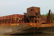 Tongkang BG. Finacia Dihantam Badai, Kemungkinan Bisa Terdampar Di Perairan Selayar