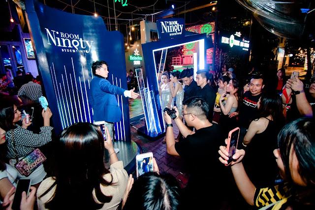 S.T Sơn Thạch biểu diễn tại sự kiện Room Ninety by Destiny ở Đà Nẵng