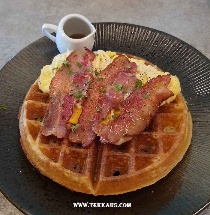 Pik Nik Waffle Bacon