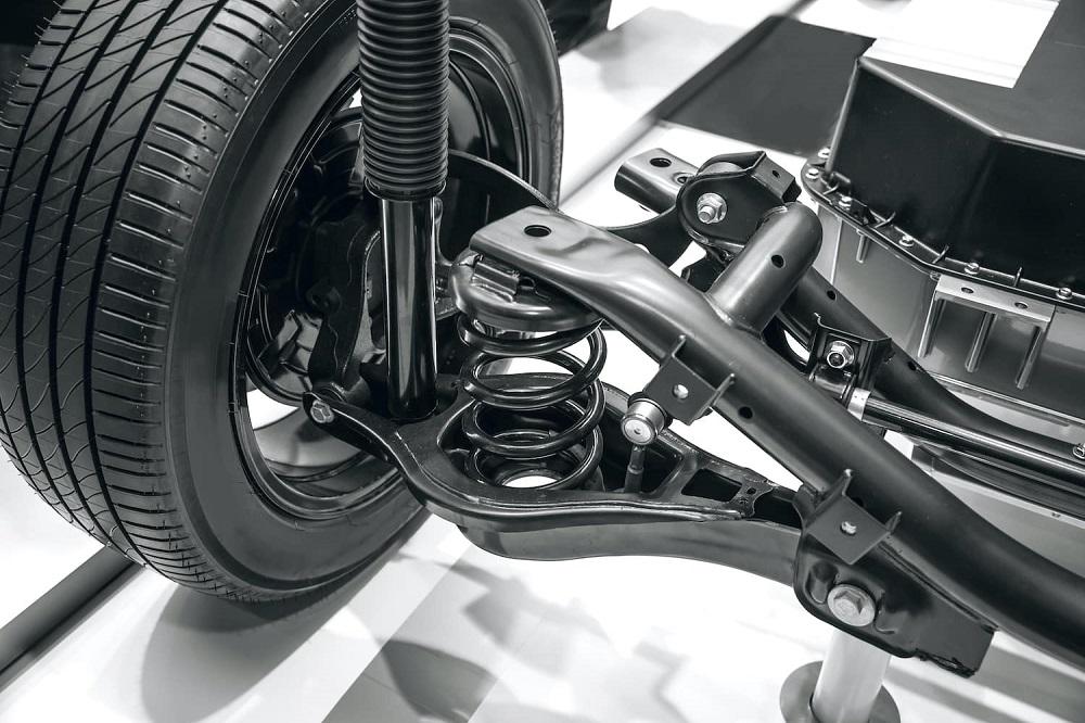 Hệ thống treo trên ô tô có nhiệm vụ cân bằng xe khi di chuyển