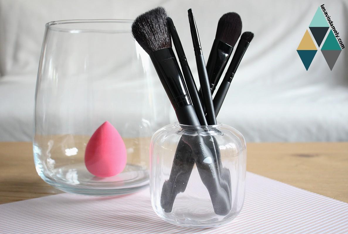 revue beauté pinceau maquillage naturel et synthétique