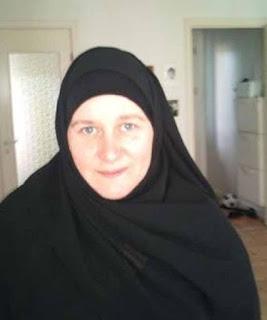 دنماركيةأرملة مسلمة مقيمة فى الدنمارك تبحث عن مسلم ملتزم للزواج فى الدنمارك