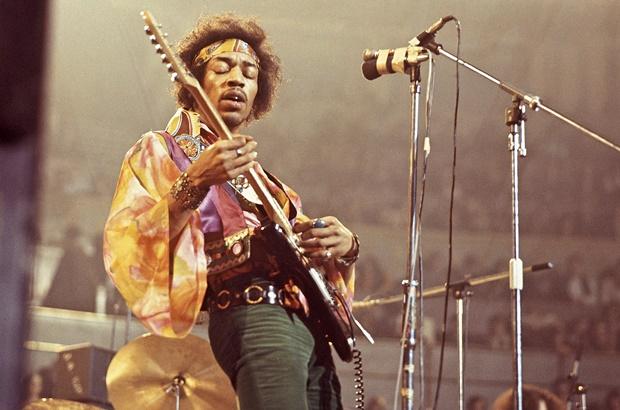 Jimi Hendrix com bandana
