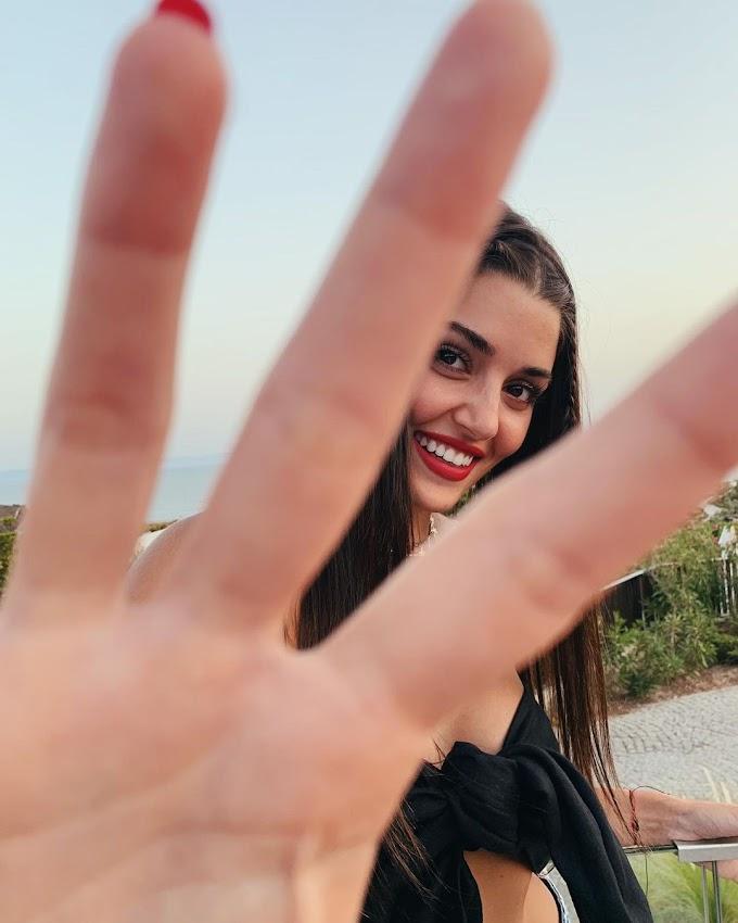 Sen Çal Kapımı, Hande Erçel removes Sitare Akbaş from her friends: she got engaged to her ex-boyfriend