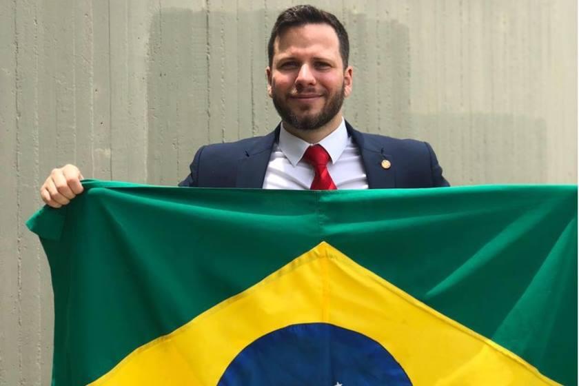 Advogado preso por criticar STF em avião vai pedir impeachmet de Lewandowiski