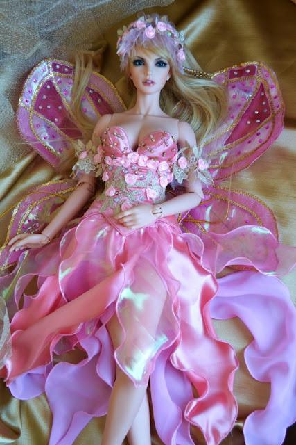 Одежда для Барби и других кукол своими руками. МК и советы, В стиле 70-х: наряды для Барби, Вязаная одежда для кукол — фото-идеи, Демисезонное пальто для Барби, Идеи красивой одежды для кукол, Колготки для куклы Барби, Кружевной бюстгальтер и стринги на Барби. Фото МК, Нижнее белье для Барби из трикотажа, Пижама для Барби из трикотажа, Свитерок для Барби из перчатки — 2 модели, Трикотажное платье для Барби из носка, Трикотажный джемпер для Барби, русики-шорты для куклы, Шикарные наряды для кукол — фото-идеи, как сшить одежду на Барби, платье на куклу Барби выкройки, одежда на кукол монстр хай своими руками, одежда на кукол своими руками мастер класс с фото, одежда на кукол своими руками пошагово, из чего можно сшить одежду для кукол, кукольный гардероб, Белье для кукол своими руками. Мастер-классы и советы, как сшить юбку для куклы своими руками, как сшить платье на куклу, своими руками, как сшить нижнее белье на куклу своими руками фото пошагово, как сшить колготки на куклу, как сшить кукольное нижнее белье, как сшить пальто на куклу барби, выкройки кукольной одежды, пошив кукольной одежды, вязанная одежда на кукол, как связать одежду на кукол, Балетный винта из бумаги и лоскутков,куклы, одежда для кукол, идеи, шитье, шитье для кукол, кукольная одежда, платья для кукол, костюмы для кукол, куклы-дети, кукольный гардероб, мода для кукол, идеи кукольной одежды, платья кукольные, текстиль, латья нарядные, наряды народов мира, наряды разных эпок, костюмы карнавальные, одежда,