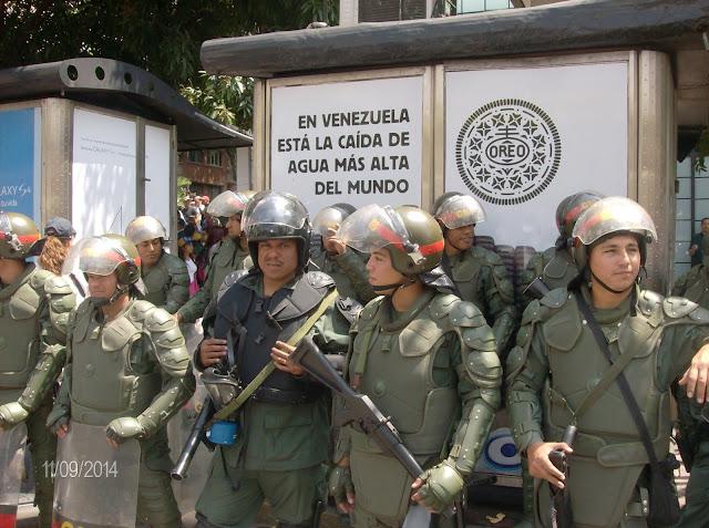 """""""No vamos a salir a la calle, no tenemos comida"""", manifestó un GN en Fuerte Tiuna"""