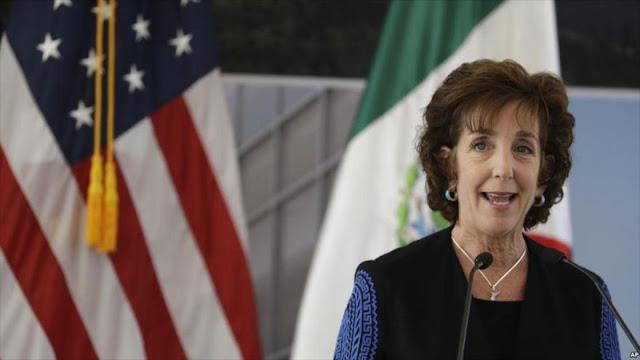 Embajadora de EEUU en México deja cargo en medio de tensiones