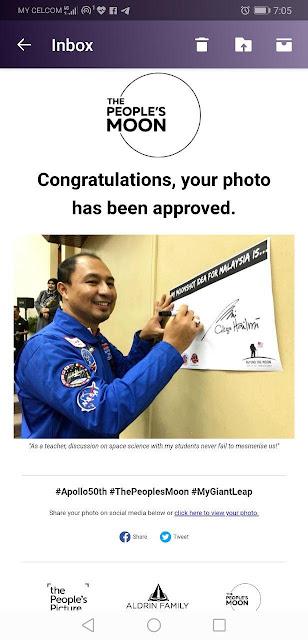 Notifikasi gambar dah berjaya disahkan sebahagian daripada The People's Moon
