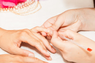 Don't cut Nail cuticles when you manicure sist