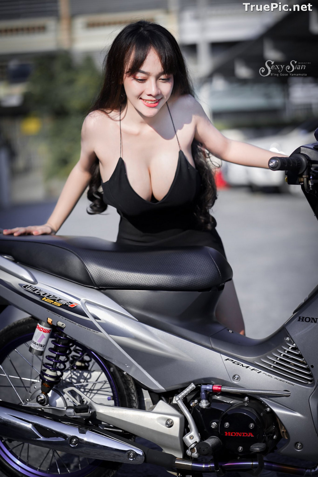 Image Thailand Model - จุ๊ปเปอร์ จุ๊ป - Sexy Black Car Girl - TruePic.net - Picture-9