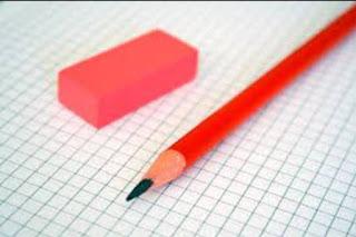 قصة و حكمة حوار بين القلم و الممحاة