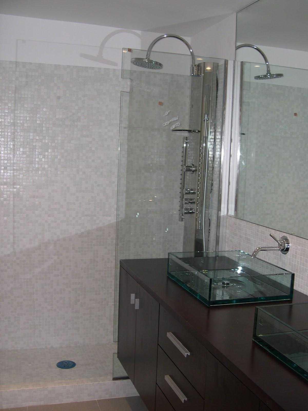 Arq. José Luis Dos Santos: Cuarto de baño princ.