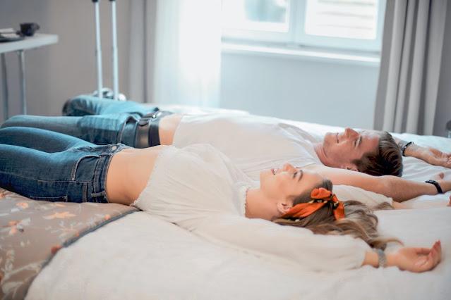Dormir en camas separadas puede mejorar tu relación de pareja