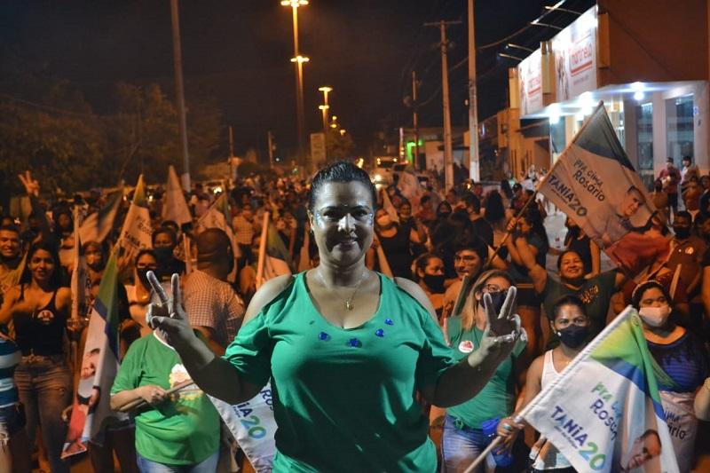 Caminhada de Tânia Conrado tem clima de vitória em Rosário Oeste