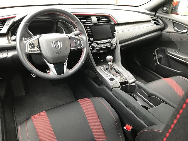Instrument panel in 2020 Honda Civic SI
