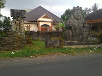 Arca Dwarapala Raksasa Penjaga Pintu Gerbang