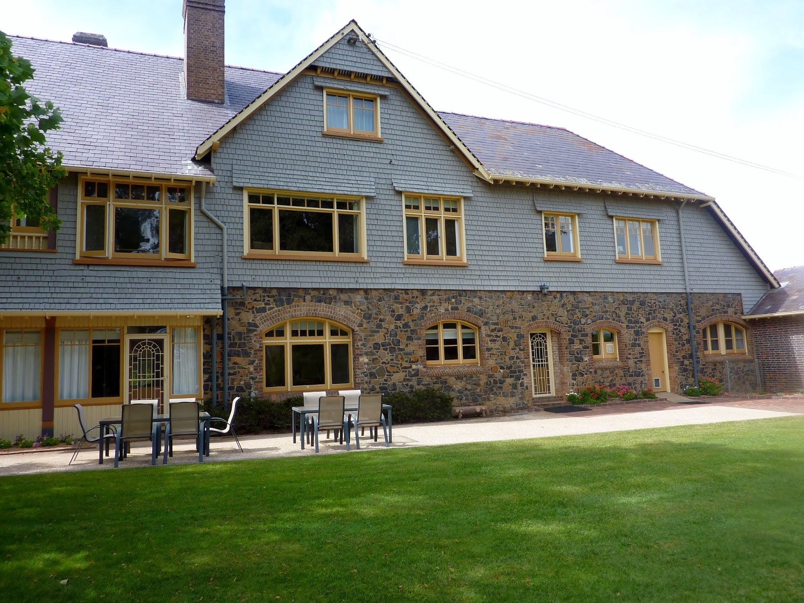 New england style homes for New england home builders