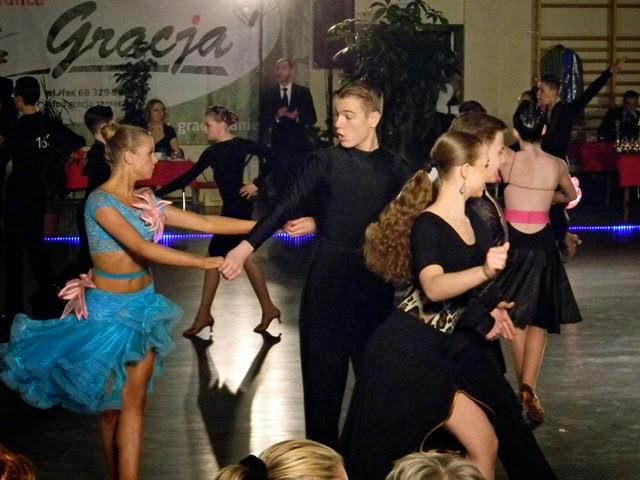 taniec, moda, pokaz