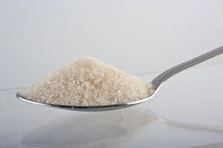 Mengapa Mengurangi Mengonsumsi Gula Dapat Mencegah Jerawat Muncul?