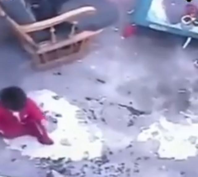 VIDEO: अपनी जान पर खेलकर बिल्ली ने बचाई एक साल के बच्चे की जिंदगी