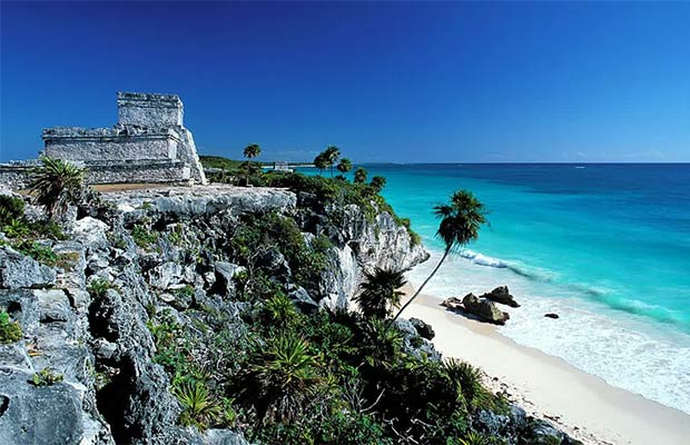 Pantai Tulum Di Cancun (Foto : ultimatedestinationweddingguide.com)