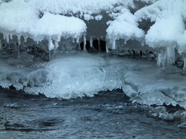 joki, talvi, jäähampaat