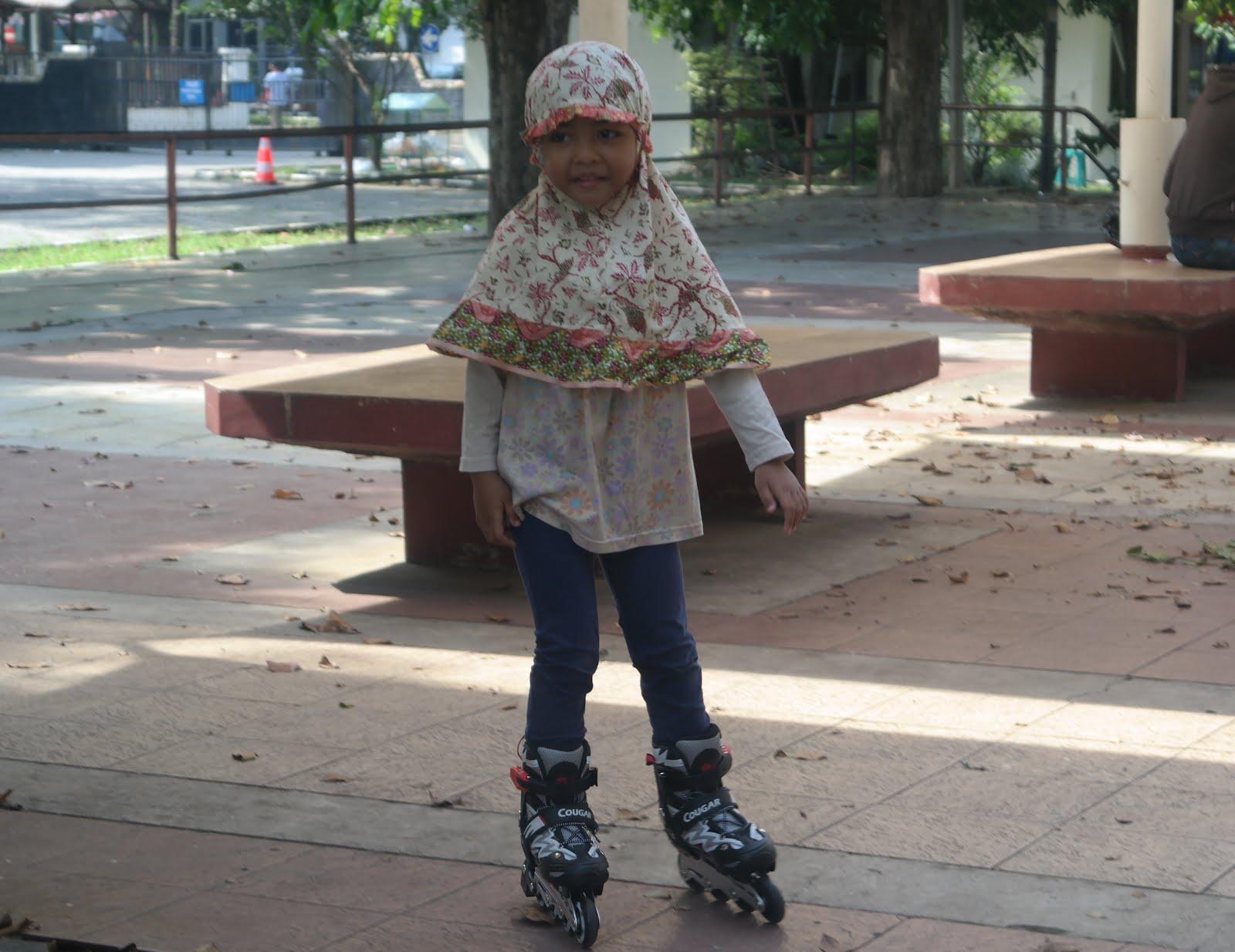Cerita si Abi: Belajar Sepatu Roda Untuk Anak