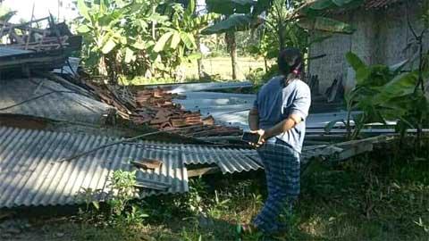 Rumah Warga Desa Sidamukti Roboh Dilanda Puting Beliung