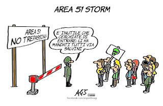 area 51 storm, alieni, migranti, salvini, complotti, ufo, ufologi, umorismo, rimpatri, vignetta, satira
