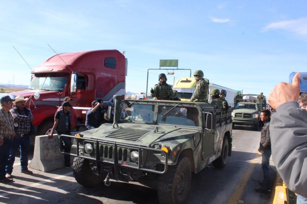 Apoyan soldados protestas contra el gasolinazo