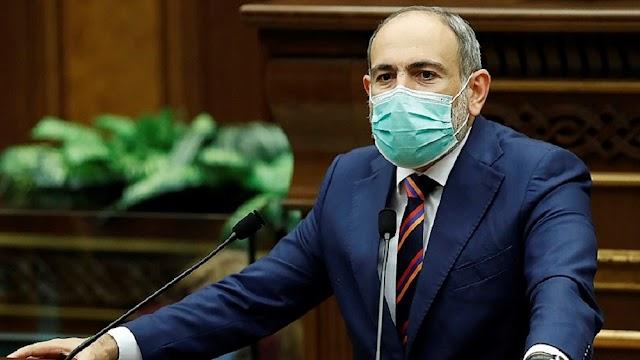 """Ο στρατός της Αρμενίας καλεί σε παραίτηση τον πρωθυπουργού - Για """"πραξικόπημα"""" μιλά ο Πασινιάν"""
