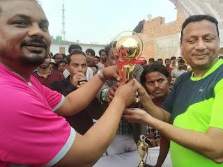 स्व मिस्बाह उल रहमान क्रिकेट टूर्नामेंट में खेले गये आज के मैच में  जैदपुर इलेवन ने मारी बाज़ी