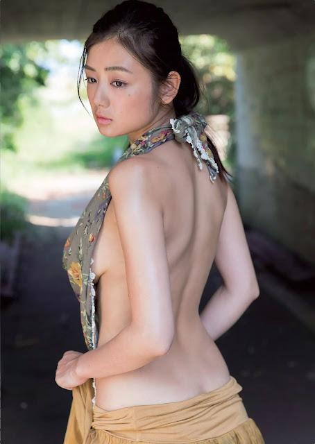 片山萌美 Katayama Moemi Weekly Playboy No 41 2015 Pics 4