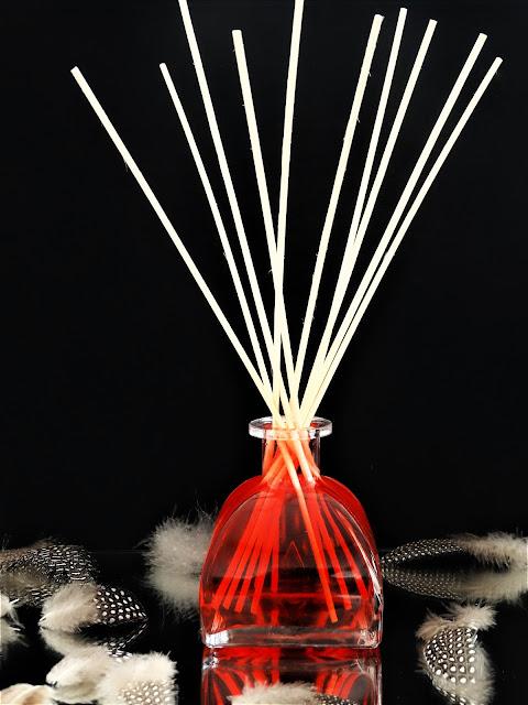 Goa Parfum d'Ambiance avis, parfum d'ambiance, parfum d'intérieur hiver, alternative bougie parfumée, goatier, avis parfum d'ambiance goa, diffuseur de parfum d'ambiance avec tige en rotin, goa parfums avis, blog parfum