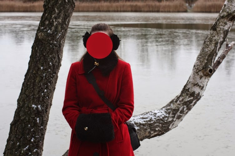 outfit, ootd, winter, muff, black, fur, coat, red