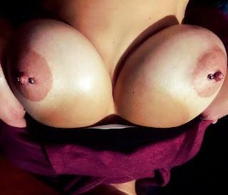 Mujeres desnudas tetas pezones grandes