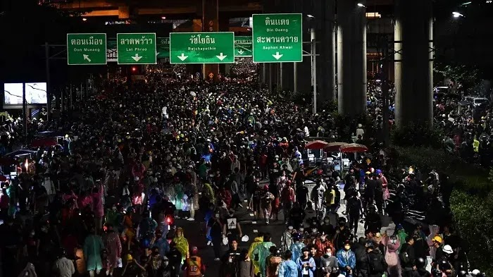 Abaikan Larangan Demo, Ribuan Demonstrasi di Thailand