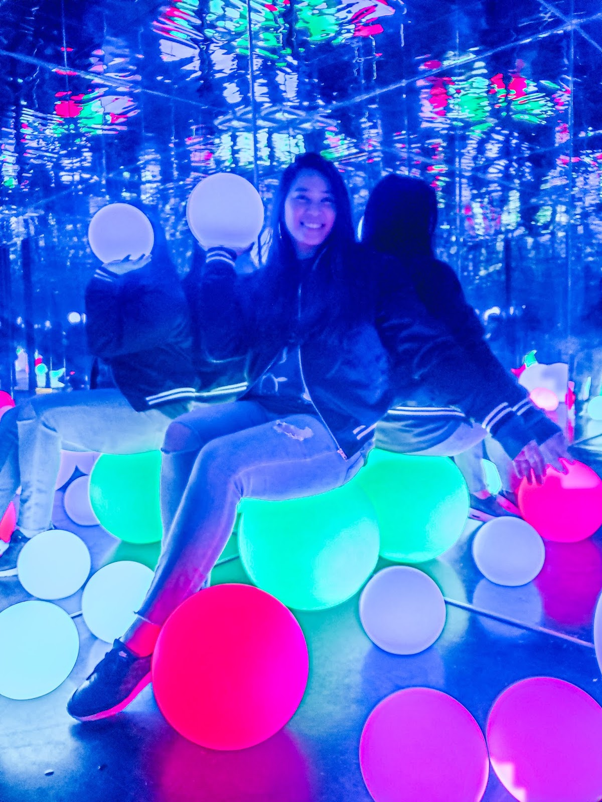 Glowball mirror room at the Seattle Selfie Museum downtown Pike place