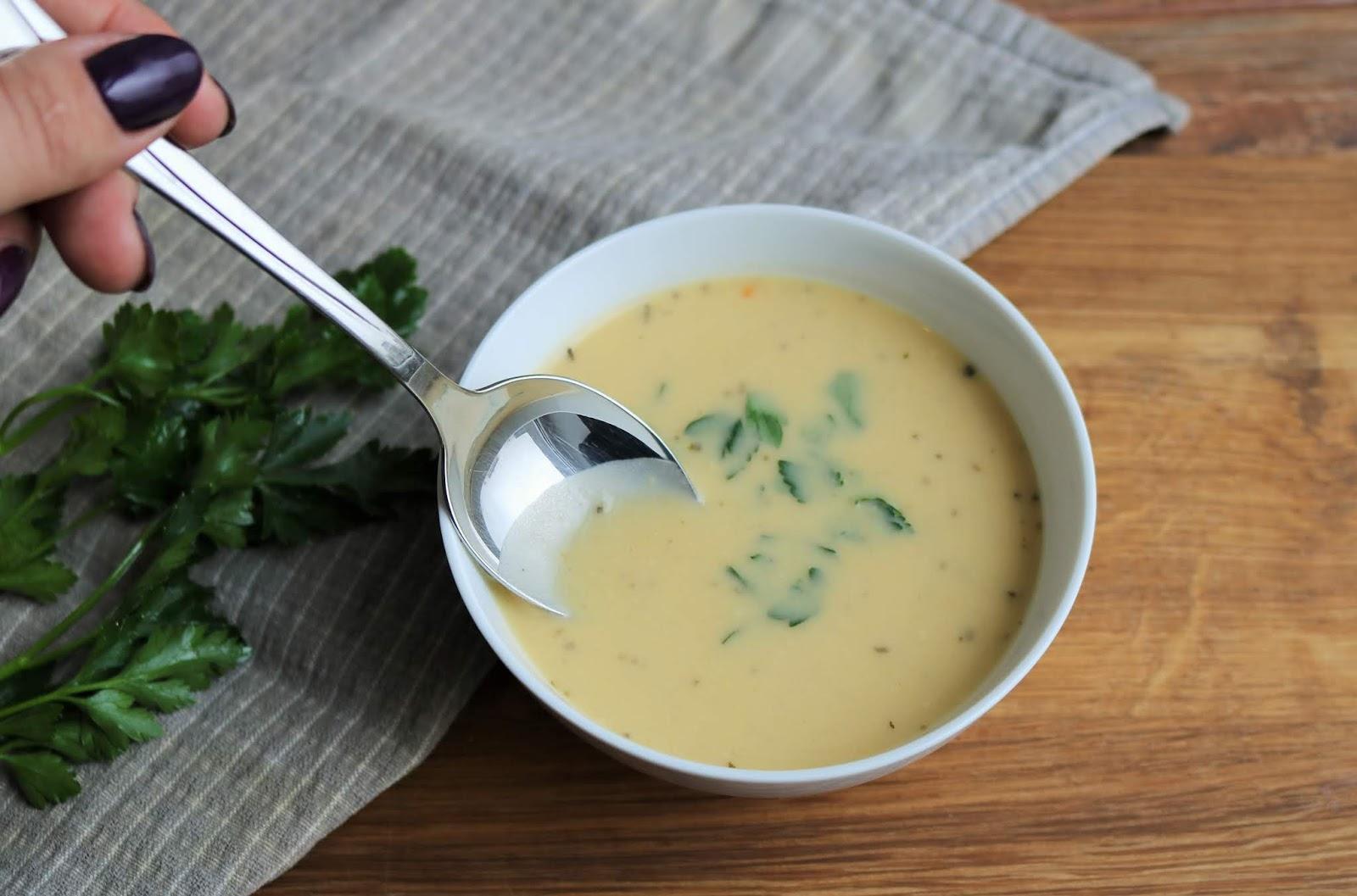 prosty i dobry przepis na zupę cebulową krem