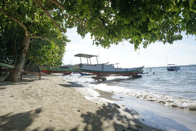 Sudut Pantai Alang-Alang Karimunjawa