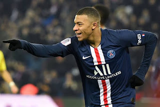 PSG star Kylian Mbappe refuses to talk about contract extension