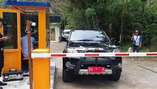 Tak Cuma Warga, Wali Kota Padang pun Antri Beli Tiket Masuk