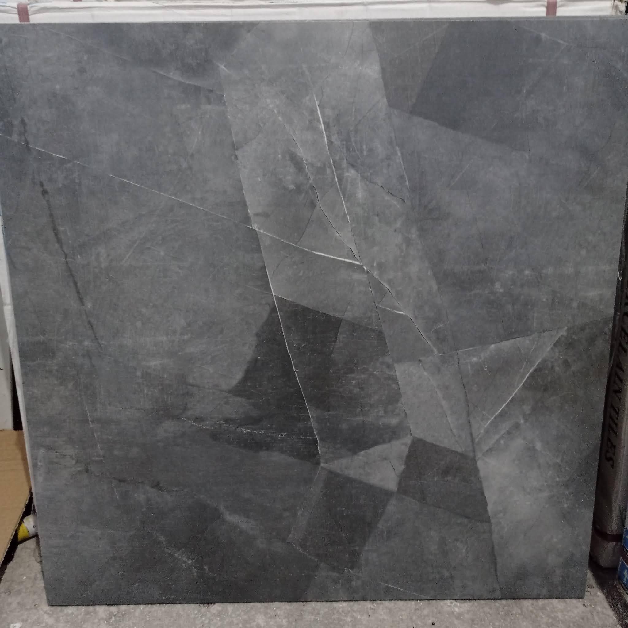 Warna Granit Lantai Sincere Tipe MB6Y188