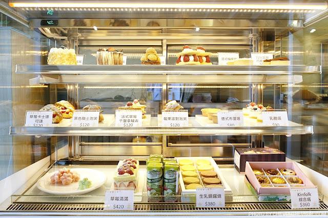 MG 1025 - 熱血採訪│卷卷蛋糕,網路人氣名店烏日實體店面新開幕!來吃甜點就送飲料超貼心!