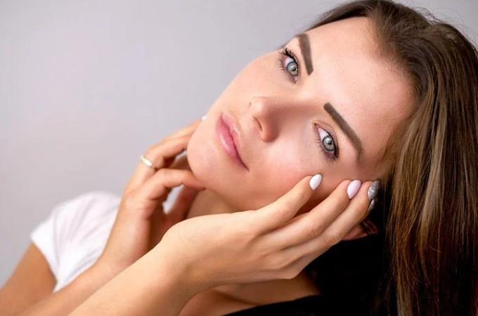 Begini Urutan Pakai Skincare Sebelum Beraktivitas yang Harus Kamu Ketahui