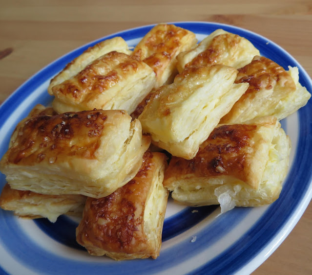 Lemon Puff Biscuits