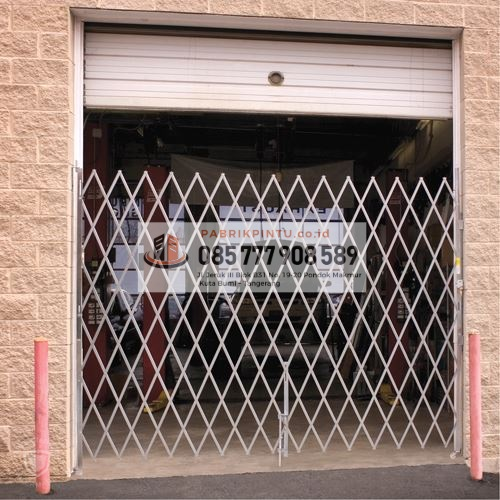 baja ringan murah ngawi jual pintu folding gate galvalum besi harga 2019
