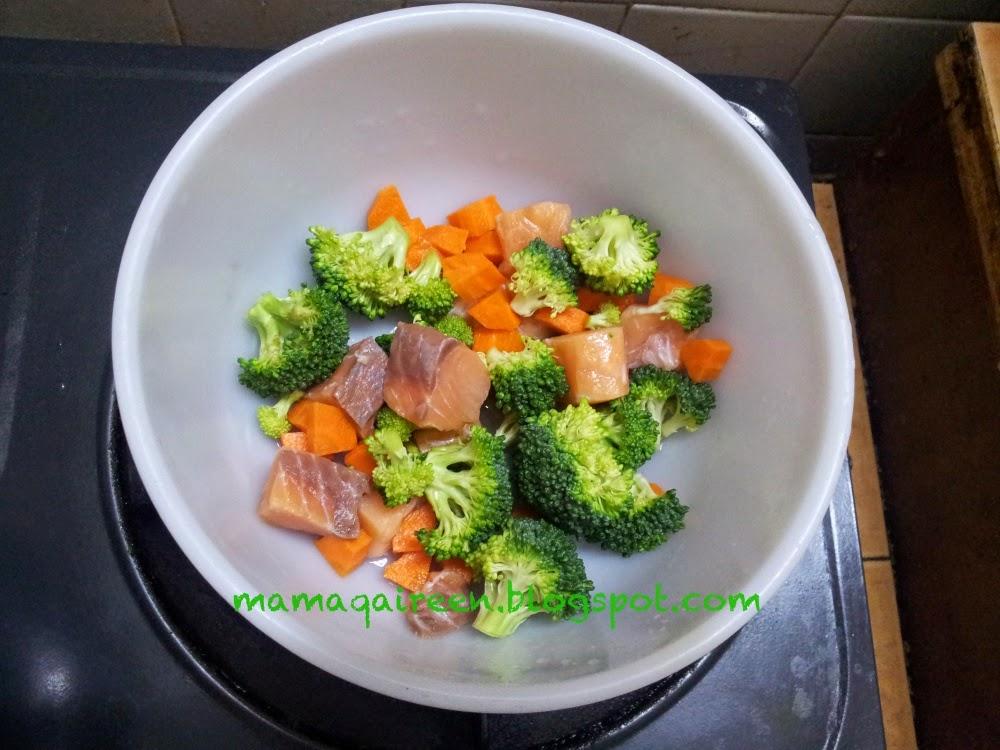 Resepi Bubur Nasi Bersama Salmon Brokoli Carrot
